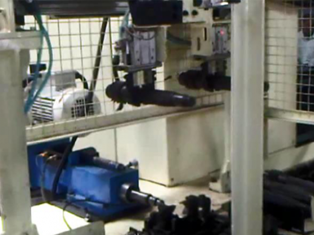 Centre Lapping Machine  with Loading / Unloading Automation